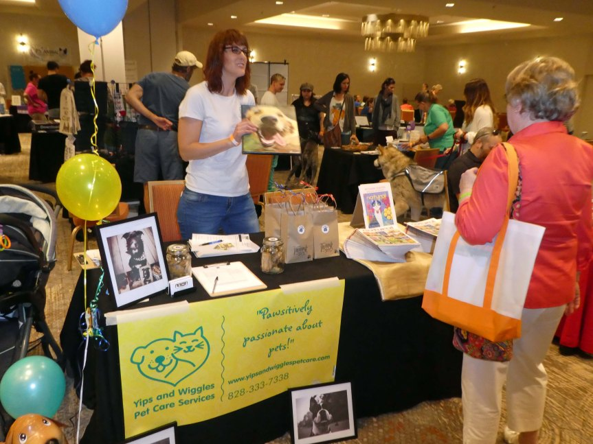 Yips and Wiiggles Angel Pets Expo